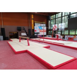 SET OF LANDING MATS FOR COMPETITION BEAM - 52 m²